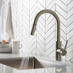 kitchen-faucet-with-sprayer